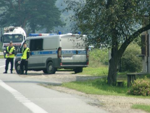 Romowie dalej wypalają złom i trują w Maszkowicach