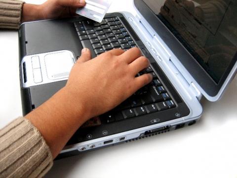 Co to jest podpis elektroniczny, jak z niego korzystać i do czego służy