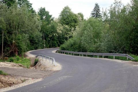 Zrobili nowe drogi w gminach. Sprawdzamy, gdzie jezdnie są gładkie jak stolnica