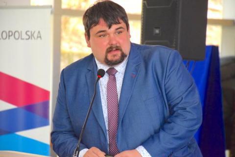 czytaj też: Krynica: poseł Patryk Wicher zabiera głos w sprawie zamkniętych dworców PKP