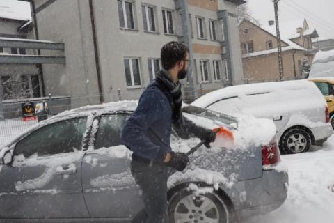 Co z tym śniegiem? Czy długo jeszcze będzie padać? Synoptycy nie wróżą nic dobr