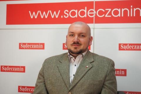 Jarosław Jakubowski. Niesie historię pod strzechy