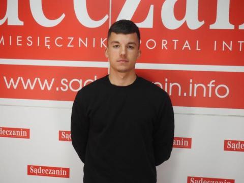 Miłosz Kałahur jest piłkarzem Sandecji Nowy Sącz.Piłkę nożną trenuje od dziecka