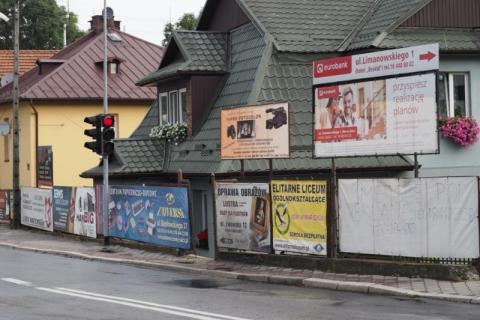 Reklamowa szpetota ma zniknąć z ulic Nowego Sącza