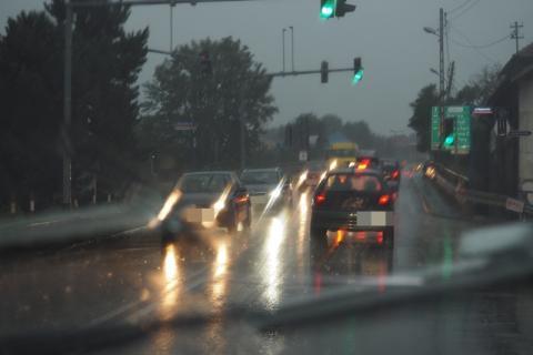 Całą noc lało jak z cebra. Ile jeszcze tego deszczu?