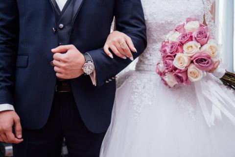 Bierzesz ślub w lecie 2020? Nowe zasady ślubów dotyczą także Ciebie!