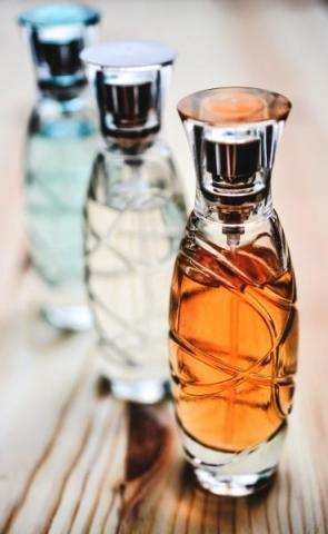 perfumy. Fot. Monicore/Pixabay