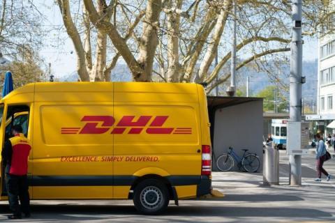 Przestępcy podszywają się pod kurierów DHL. Co tym razem wymyślili?