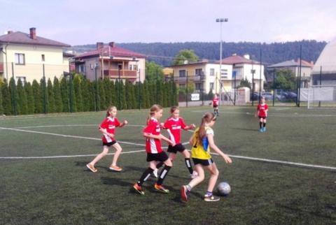 EURO i piłka nożna to męska sprawa? Dziewczyny z Chełmca pokazały, że wcale nie