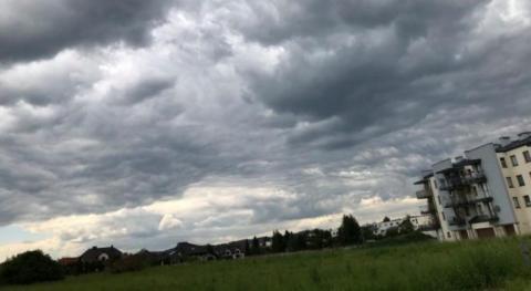 Chmury zasnuły niebo na Sądecczyźnie. Będzie z tego dzisiaj wybuchowa pogoda