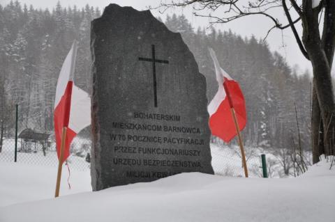 Pomnik w Barnowcu będzie miał nowe miejsce. Gmina Łabowa szuka pieniędzy