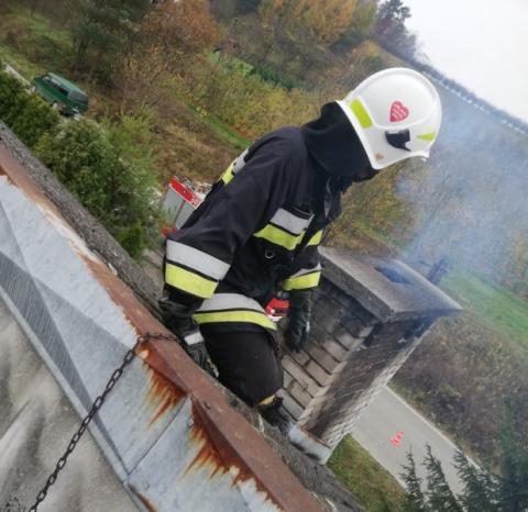 Łącko: pożar sadzy w kominie szczęśliwie zakończył się bez konsekwecji