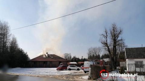 Nowy Sącz: Pożar domu przy ulicy Starowiejskiej. Jedna osoba w szpitalu
