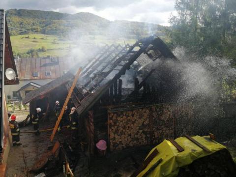 Wielki pożar w Obłazach Ryterskich. Kilkudziesięciu strażaków walczyło z ogniem