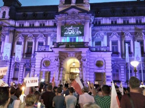 """protest 21 lipca Nowy Sącz """"Wolne sądy"""""""