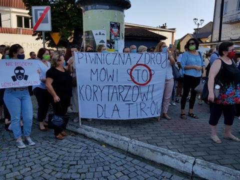 Była pikieta przeciwko tirom, ale bez władz gmin Doliny Popradu