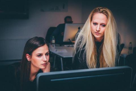 Przedsiębiorczość jest kobietą. Wsparcie dla kobiet z funduszy europejskich