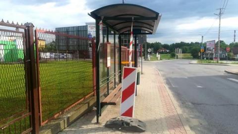 Uszkodzony przystanek na ul. Zielonej