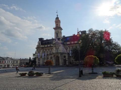 Nowy Sącz: trzeba brać urlop, żeby coś załatwić w Urzędzie Miasta