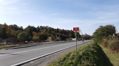 Tą drogą nie przejedziecie. Będzie nowy asfalt przy DK 75