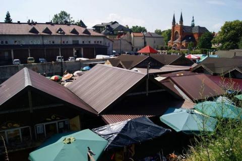 Rynek Maślany: miasto chce dodatkowych pieniędzy za rezerwację stanowisk handlowych?