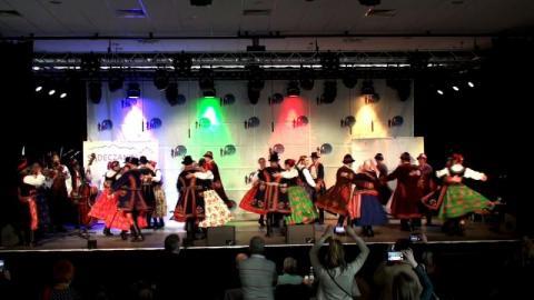 Tak tańcują Lachy Sądeckie - zespół Sądeczanie na krynickiej scenie