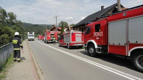 W Brzeznej płonęła stodoła i stajnia. Z budynków pozostały jedynie zgliszcza
