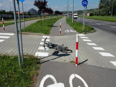 Sękowa:16 – letnie rowerzystki pod kołami osobówki. Obie trafiły do szpitala