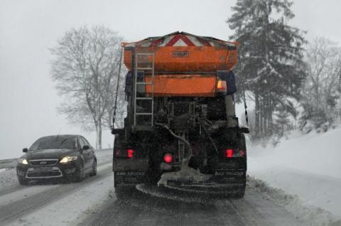 Utrzymanie i odśnieżanie dróg. Korzenna zapłaci krocie za śnieg