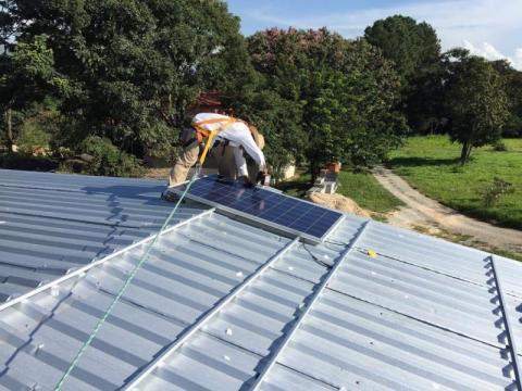 Można dostać pięć tysięcy złotych na własny prąd na dachu. Jak to zrobić