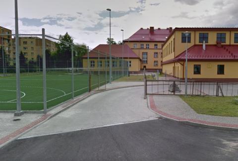 Radni chcą oddać boiska szkolne ogółowi. Koniec z kłódkami na furtkach