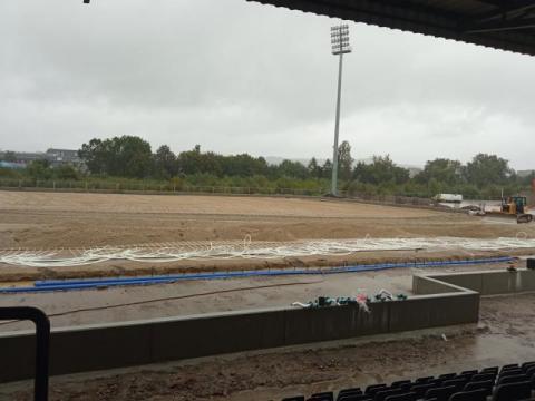 Wkrótce na stadionie Sandecji pojawi się murawa. Kiedy zobaczymy wizualizację?