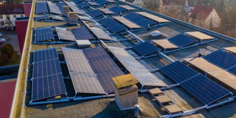 10 firm walczy o wygraną w przetargu. Na dachu tej szkoły będą panele słoneczne