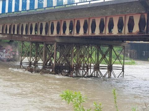 Przez ten most jeżdżą autobusy pełne ludzi! Sądecka katastrofa wisi na podporze