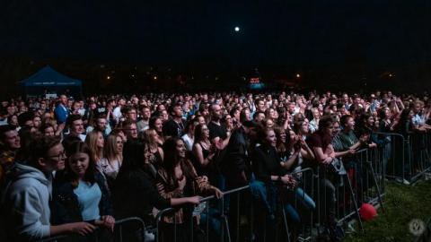 Tłumy na koncercie zespołu Happysad. Studenckie Wilkonalia dobiegły końca