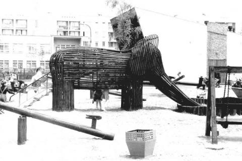 Pamiętacie wioskę indiańską na Millenium? Wspominamy legendarny plac zabaw