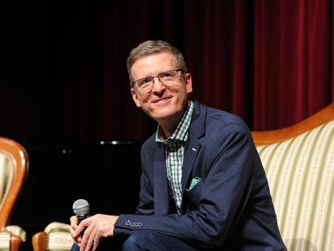 Prof. Wojciech Kudyba: wirus ustawił przede mną znak z napisem spomal. Zwolnij!
