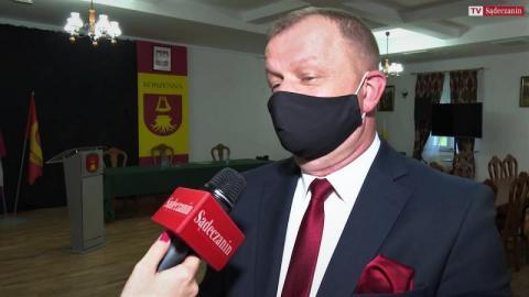 Historyczne posiedzenie rady gminy w Korzennej. Komu wójt wręczył odznaczenia?