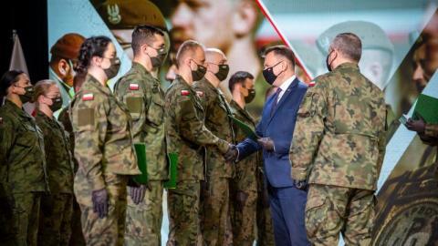 Będziemy mieć u nas batalion piechoty lekkiej Wojsk Obrony Terytorialnej. Gdzie? W Limanowej. Decyzję w tej sprawie podpisał dzisiaj w dowództwie terytorialsów szef resortu obrony Mariusz Błaszczak.