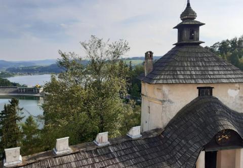 Zamek w Niedzicy: piękna warownia nad Jeziorem Czorsztyńskim
