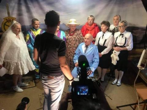 Spektakl przez Messengera. Seniorzy z Łabowej pokonują płoty
