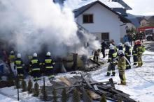 Budynek płonął jak pochodnia. Strażacy półtorej godziny gasili pożar w Tyliczu