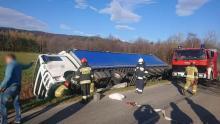 Wypadek podczas wyprzedzania. Zderzyły się dwie ciężarówki [ZDJĘCIA]