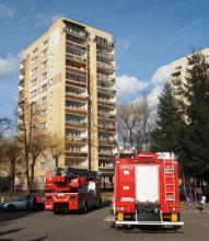 Nowy Sącz: Akcja ratownicza w wieżowcu przy ul. Nawojowskiej. Zobacz co się stało? (ZDJĘCIA, FILM!)