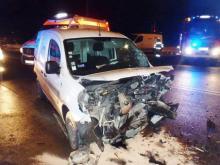 Kraksa na skrzyżowaniu w Starym Sączu. Dwa samochody rozbite [ZDJĘCIA]