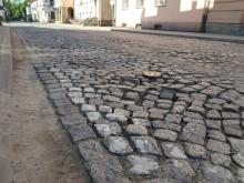 Kosta brukowa na ul. Kazimierza Wielkiego w Nowym Sączu, fot. Iga Michalec