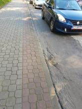 Fotointerwencja - Nowy Sącz: na garbach Grodzkiej tylko kark skręcić!