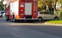 Pożar na ulicy Barskiej. Kierowca musiał uciekać z płonącego samochodu