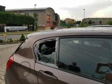 Sądeczanie ratują auta taśmą, folią i kocami. Tylu wybitych szyb nie widzieli