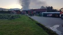 Poranny pożar kotłowni w Pisarzowej. Z ogniem walczyło trzydziestu strażaków